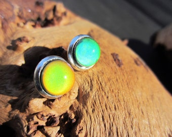 Mood Earrings, 8mm, Color Changing Earrings, Mood Jewelry, Stud Earrings, Silver Settings, Mood Cabochon, Unique