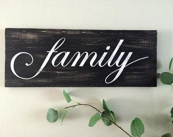 Family Sign (b/w) – Wood Wall Decor - Rustic Family Sign - Family Wood Sign - Rustic Wall Decor - Farmhouse Decor