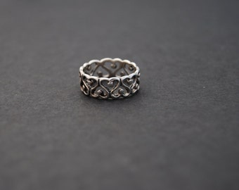 Sterling Silver Eternity Heart Band