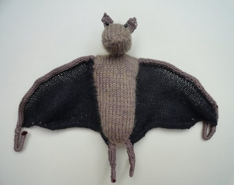 Knitted fruit bat - Knitted flying fox - Hanging bat decoration - Halloween bat decoration - Knitted bat ornament - Foldable wings bat knit