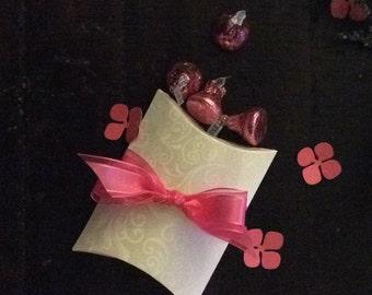 Kraft Pillow Box with Ribbon