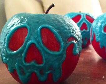 "Evil Queen's Poison Apple - Snow White Disney Villain - Glow In The Dark! ""Blue paint only"" - New"