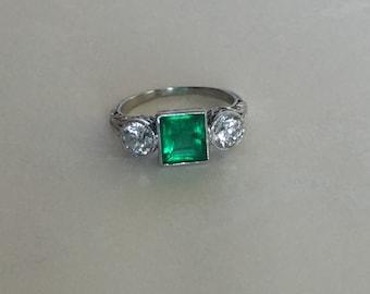 Antique Art Deco Emerald and Diamond Platinum Ring