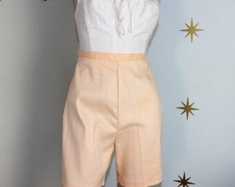 SALE! Vintage 1960s peach high waisted shorts medium 72