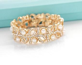 Gold bridesmaid bracelet, Bridal pearl bracelet, Crystal wedding bracelet, Wedding jewelry, Pearl bridal jewelry, Gold pearl bracelet  0175G