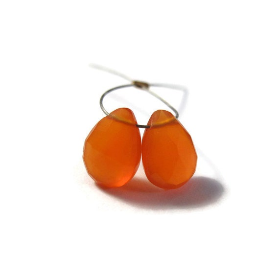 Two Carnelian Beads, Bright Orange Teardrop Briolettes, Matched Pair, 2 Pear Shaped Natural Gemstones, 7x4mm - 8x5mm (B-Ca3d)