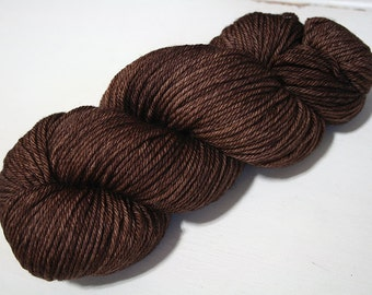 Hand Dyed Artisan Yarn, Tonal Kettle Dyed Worsted Yarn, Semisolid Simple SW Merino Wool Worsted, Breadth colorway