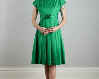 SALE- Green Taffeta Dress . XS