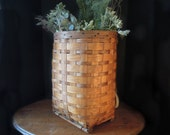 Vintage Woven Trappers Basket / Antique Woven Michigan Trappers Basket / Heavy Canvas Straps / Wood Base