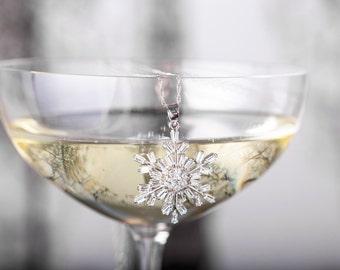 Snowflake Necklace - Aria Snowflake Necklace - Snowflake Jewelry, Christmas Necklace, Winter Necklace, Winter Pendant, Christmas Gift