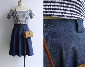 10 to 25% OFF (See Shop) Vintage 80's Denim Chambray High Waist Swing Skirt with Pockets XS