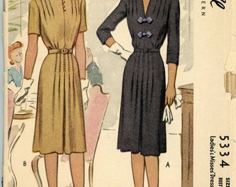 Vintage McCall Pattern 5334 - 1943 - Ladies' and Misses' Dress Size 16 Bust 34