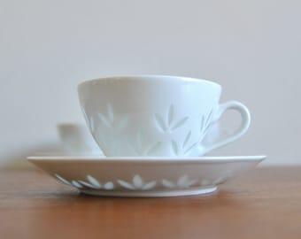 4 Arabia Finland Porcelain Rice Teacup and Saucer Friedl Holzer-Kjellberg Mid Century Modern