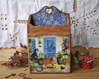 Vintage style Key Box, Wall key holder, Wooden Key Box, Key safe box, Key Cabinet, Key Hanger, Cats lover gift,sweet home, Blue color