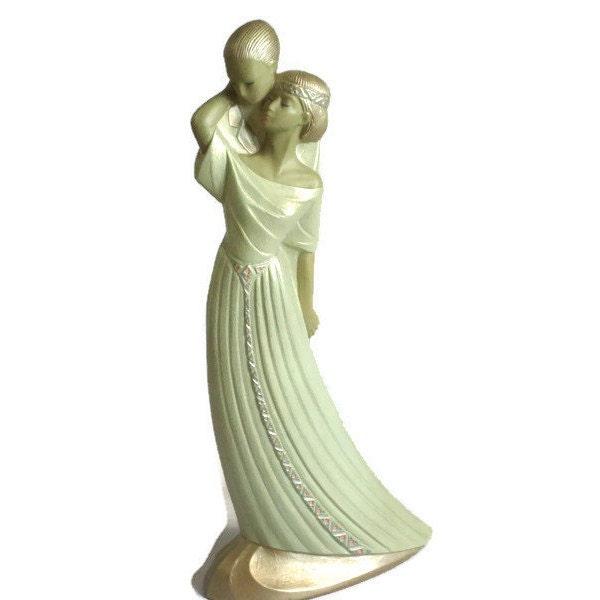 art deco style statue figurine romantic embracing couple. Black Bedroom Furniture Sets. Home Design Ideas