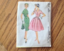 Vintage McCalls 5238 Dress Pattern Size 14, Shirtwaist Dress with Slim or Full Skirt from Late 50's Early 60's