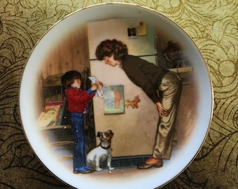 """Mother's Day 1985 plate """"Creation of love"""" by Tom Newson from Special Memories by Avon"""
