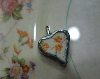 Broken china jewelry- broken china heart pendant- flower heart pendant - vintage china pendant