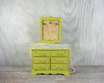 Jewelry box, jewelry organizer, hand painted, jewelry holder, jewelry display, shabby chic, hand painted