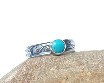 Sterling Silver 925 Patterned Ring with Turquoise Cabochon - Choice of Antique Patina or Shiny Silver Finish - Made-to Order
