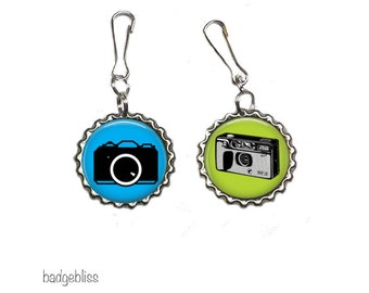 Cameras bottlecap zipper pulls, bag charms - Cameras zip pulls. Pack of 2.
