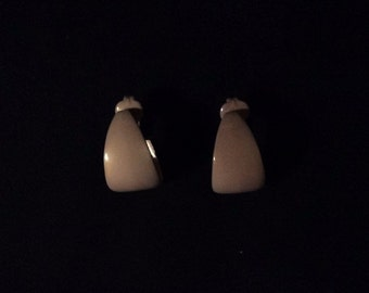 Vintage 1970's Gray, Tan Clip On Earrings, Metal, Enamel, Costume Jewelry, Couture Fashion