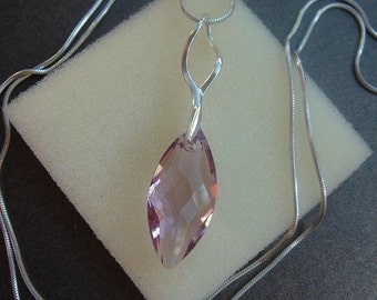 925 Silver chain with sparkly Navette, beautiful & long!