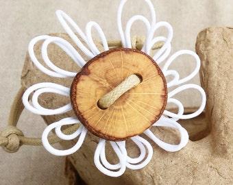 White flower bracelet - White flower bracelet