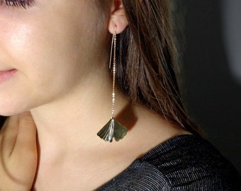 Golden long and light earrings, ginkgo leaf earrings, brass Ginkgo earrings, nature trend, leaf trend.