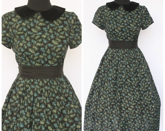 Vintage 1950s Dress / Black with Awesome Print / Peter Pan Collar Sz S/M