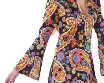 1970′s Psychedelic Floral Mini Dress