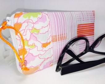 Glasses Case, Sunglasses Pouch, Peach Plaid Zip Top Eyeglass Case