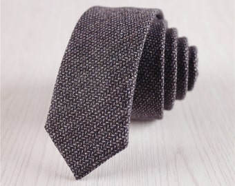black tie.skinny tie.2in necktie.wool tie for men.wool accessories.christmas gifts for anniversary.suit accessories.solid color tie+nt.82s