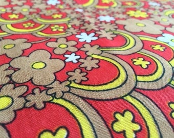 Vintage 70s Fabric: Flower Power Red One 50cmx85cm