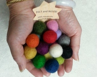 100 Wool Felt Balls (2cm) Choose Your Colors.