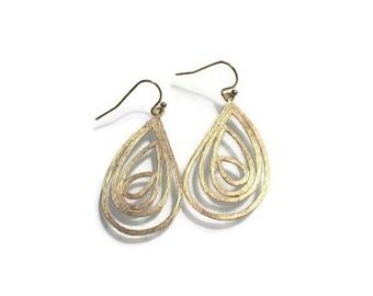 Gold Teardrop Filigree Earrings / 14K Gold Filled Ear Wires /