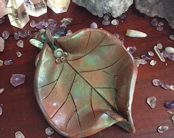 Crystal Encrusted Leaf Bowl, Trinket Bowl, Faerie Offering Bowl, Jewelry
