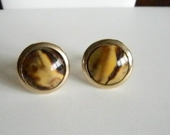 Men's Gold Tone Round Marble Lucite Centers Cuff Links