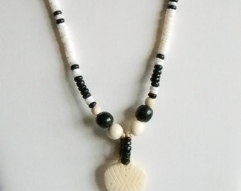 White Shell Bead Black/Beige Wood Beads Necklace with Resin White Heart Pendant
