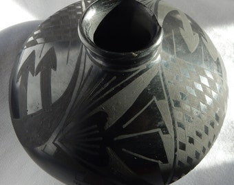 SALE Mata Ortiz Black on Black Pottery - Jaime Quezada - Damaged