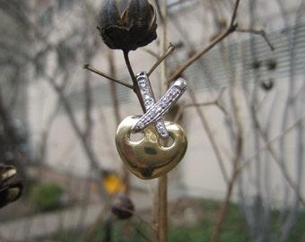 Estate heart with diamond pendant