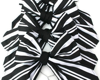 Christmas bows, christmas tree bows, black and white stripe christmas tree bows, set of four bows, black and white bow, Vivo 50's, bows