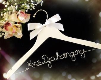 SALE!!! Custom Wedding Hanger,Bridal Hanger,Personalized wedding Hanger,Biride's Gift,Bridesmaid Hangers,Custom Made Hanger,Shower Gift