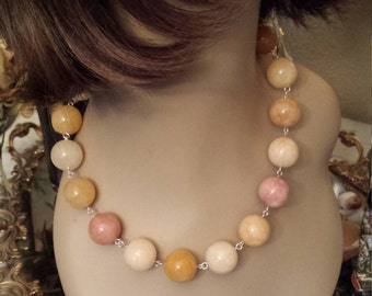 One strand 18mm smooth polished sandstone necklace
