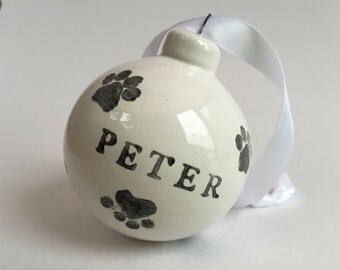 Personalized Ceramic paw print bauble for your pet (dog or cat), Christmas decoration