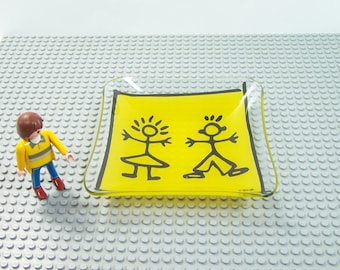 Yellow trinket bowl signed by Y. BLAYO a boy and a girl stylized on yellow background design vintage | Made in France