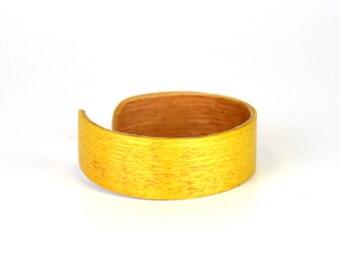 Yellow Hear With Oak Bracelet