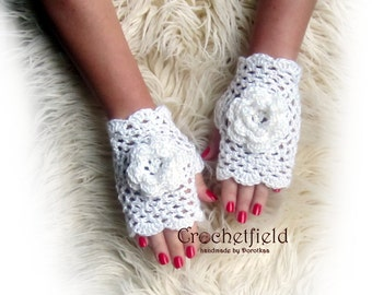 Off-white Crochet Mittens with Flowers, Fingerless Gloves, Lace Hand warmers, Wrist Cuffs ,Gift for her, Women's Fashion Accessory