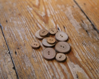 BUTTONS IN52 Mixed Size Bundle Wood -India