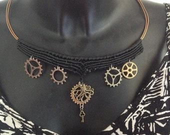 Steampunk macrame necklace